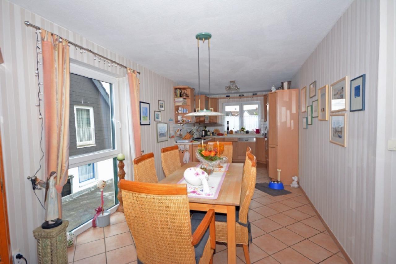 Der Essbereich mit Blick zur Küche