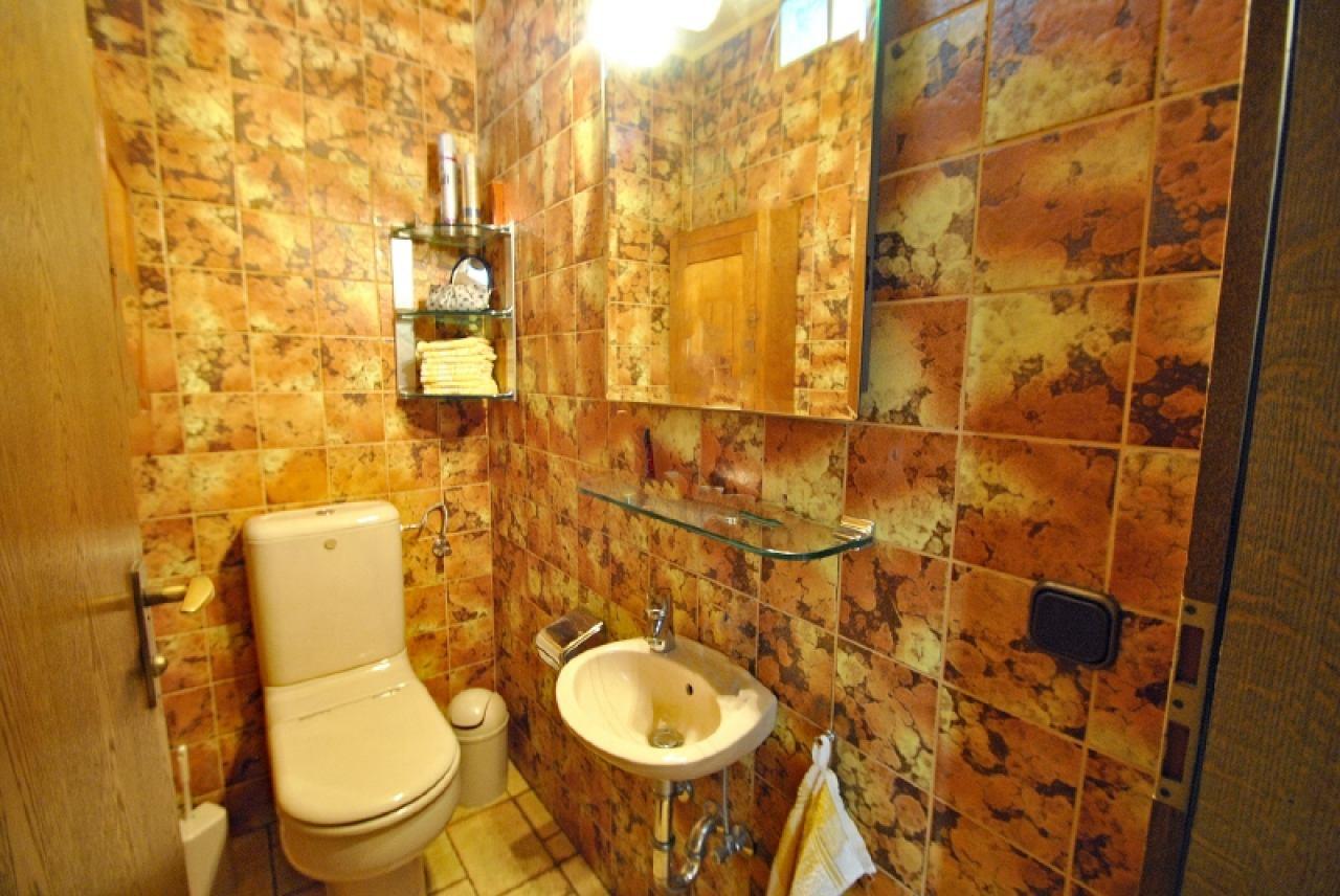 2281 - Gäste-WC