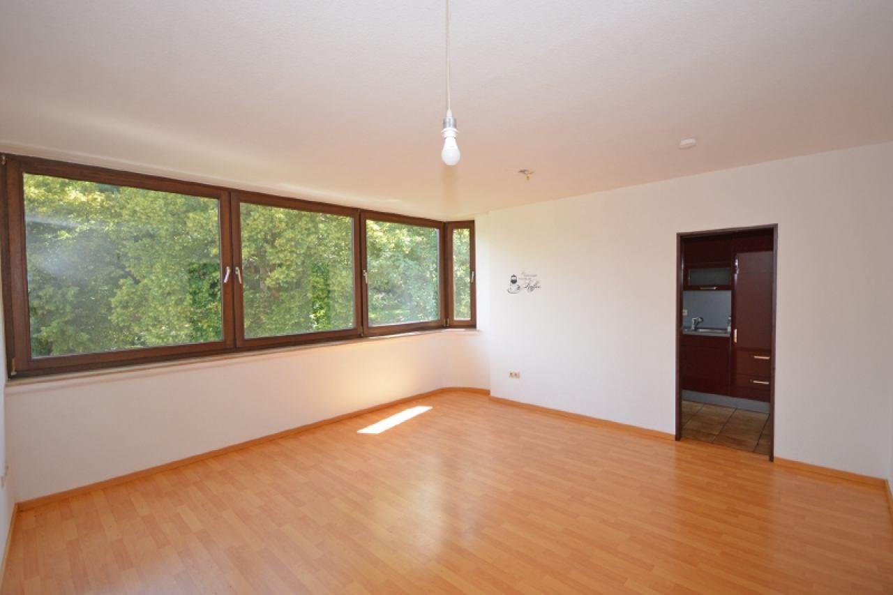Wohnzimmer der Wohnung im vierten OG