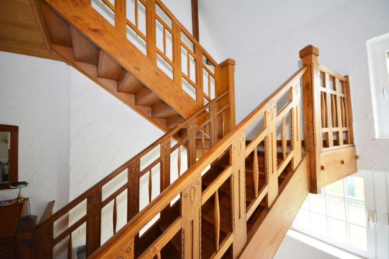 Die hochwertige Holztreppe